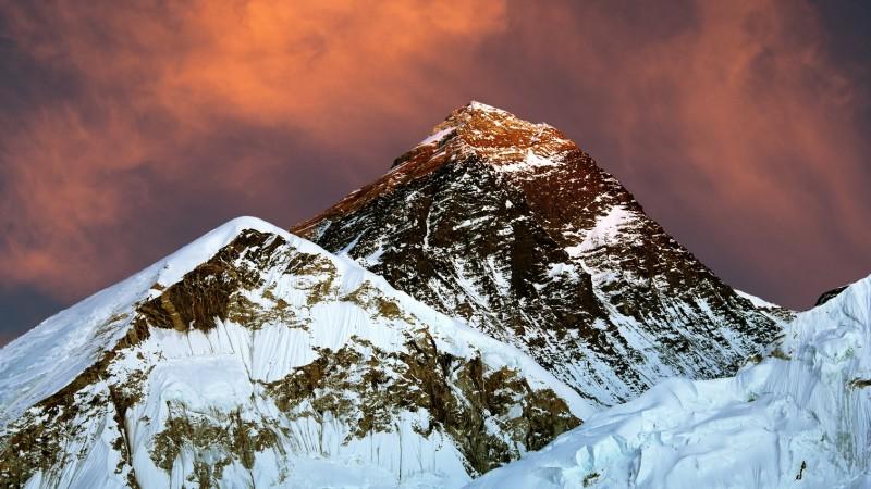 Avista Multimedia realizará un documental sobre el intento de ascensión de Álex Txikon al Everest en invierno